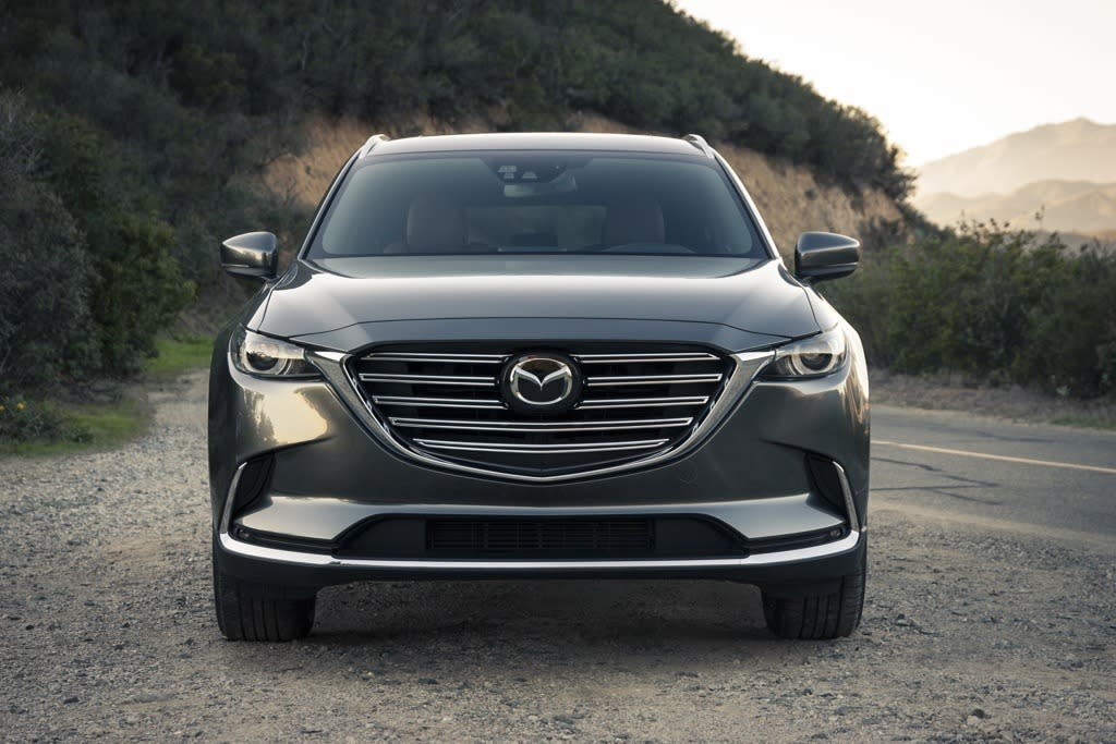 <p>Mazda today unveiled its new, second generation CX-9 three-row crossover SUV<br /></p>