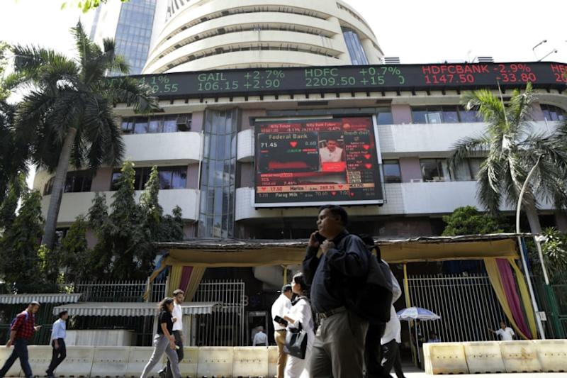 Sensex Rallies 307 Points, SBI Soars Over 7 Percent After Q4 Show