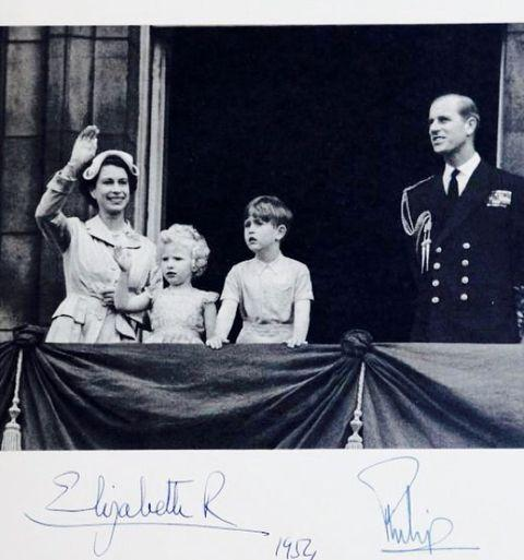 """<p>The family of four pose on the steps of Buckingham Palace in this black-and-white photograph, which was later shared inside their Christmas card. </p><p><a href=""""https://www.instagram.com/p/_gCSA0L-6O/?utm_source=ig_web_copy_link"""" rel=""""nofollow noopener"""" target=""""_blank"""" data-ylk=""""slk:See the original post on Instagram"""" class=""""link rapid-noclick-resp"""">See the original post on Instagram</a></p>"""