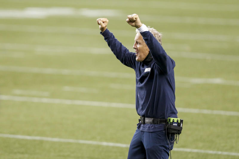 Seahawks coach Pete Carroll fined for not wearing mask on Sunday