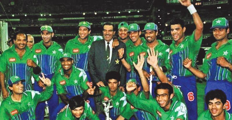 Pakistani team posing with the Man of the Match award