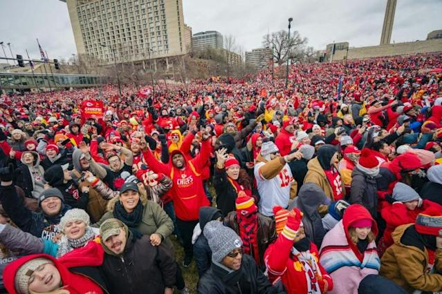 Kansas City Chiefs supporters line the streets of the Missouri city ahead of the NFL's team's Super Bowl celebration parde and pep rally Wednesday (AFP Photo/Kyle Rivas)