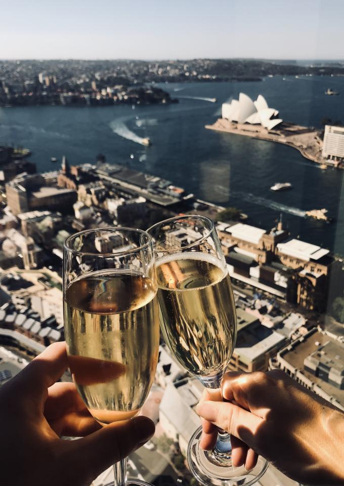 <p>Located on the 36th of Sydney's iconic Shangri-La hotel, The Blue Horizon Bar has the most jaw dropping views of the world famous harbour. From luxe champagne to fancy cocktails the bar is the perfect place to relax and watch the sun go down.<br />Source: Instagram @matthewakelly </p>