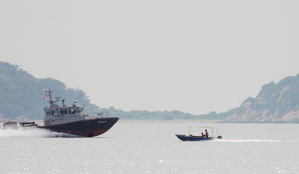 A Hong Kong marine police vessel searches for missing officer Lam Yuen-yee on Sunday. Photo: Winson Wong