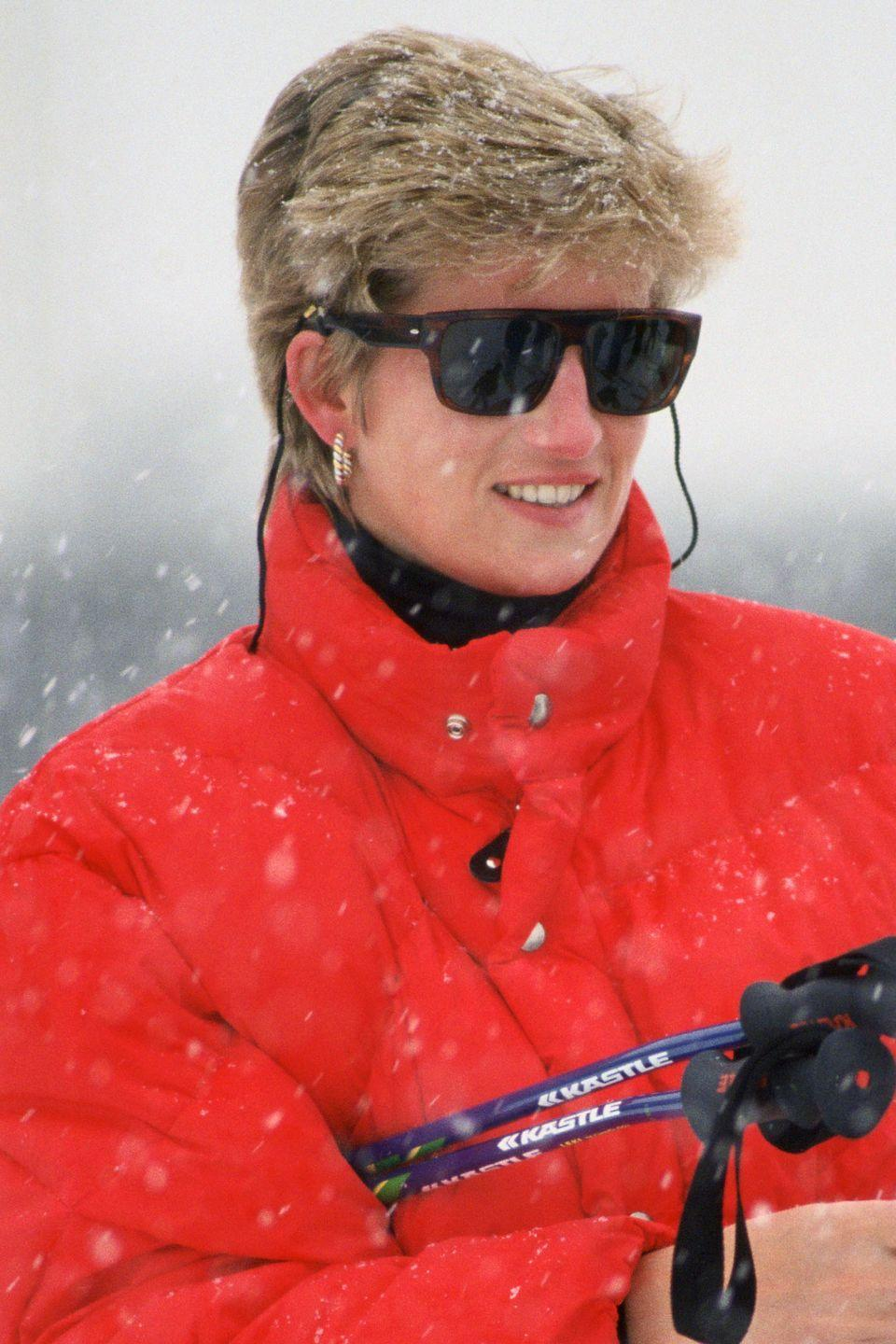 <p>On a skiing holiday in Austria after having chopped off a few inches of hair. </p>
