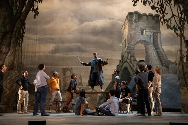 "Singers and actors rehearse the comic opera ""Richard the Lionheart"" at the Palace of Versailles in France (AFP Photo/BERTRAND GUAY)"