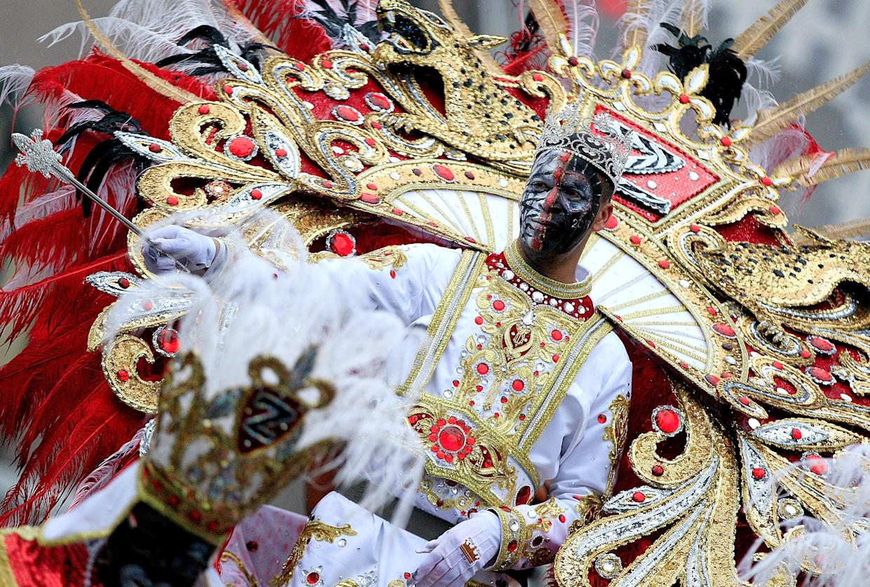 The King of the Krewe of Zulu parades on Mardi Gras day on March 4, 2014 in New Orleans, Louisiana. (Photo: Sean Gardner / Stringer)