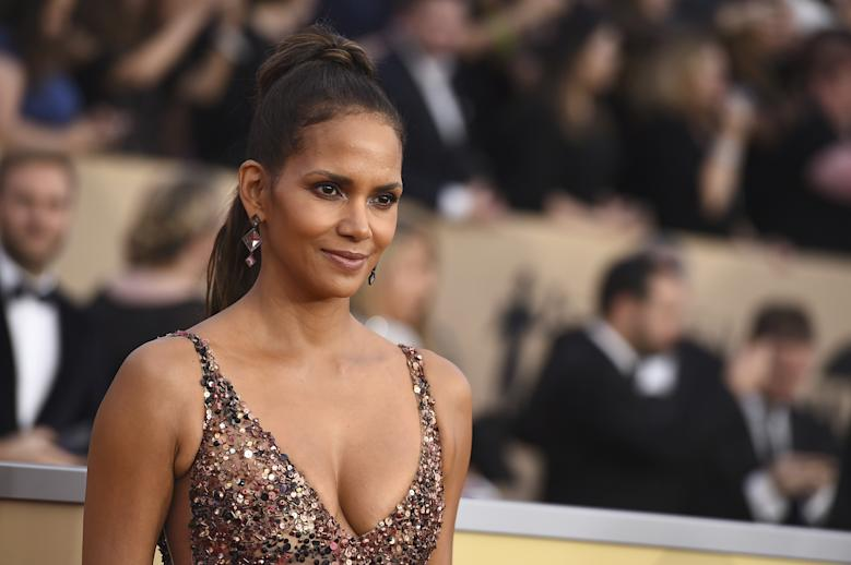 Halle Berry scraps transgender role after criticism