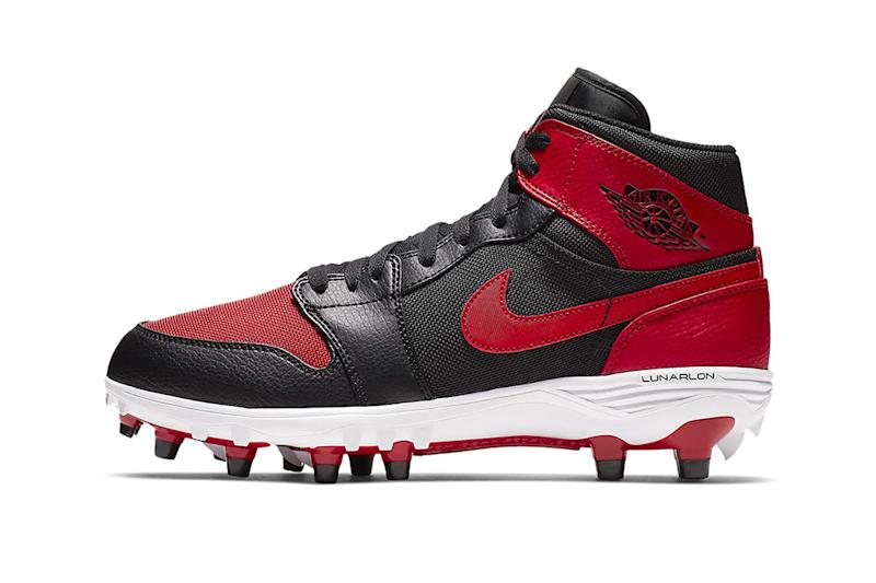 03fd66e0f67 New Air Jordan 1 Cleats Feature Classic Colorways
