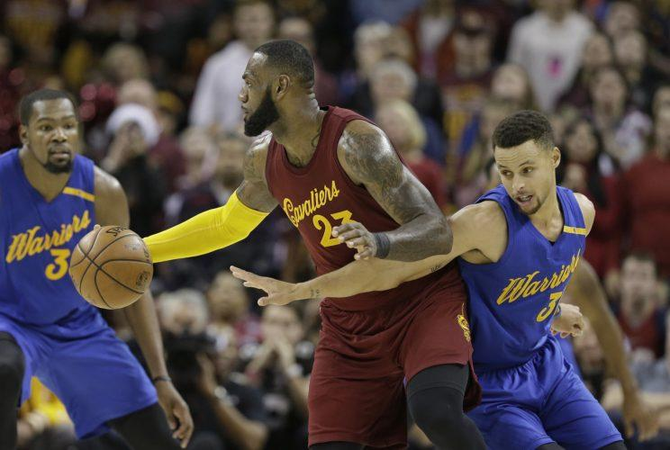 The Warriors will try to reverse the pain of last June's NBA Finals loss to the Cavaliers. (AP)