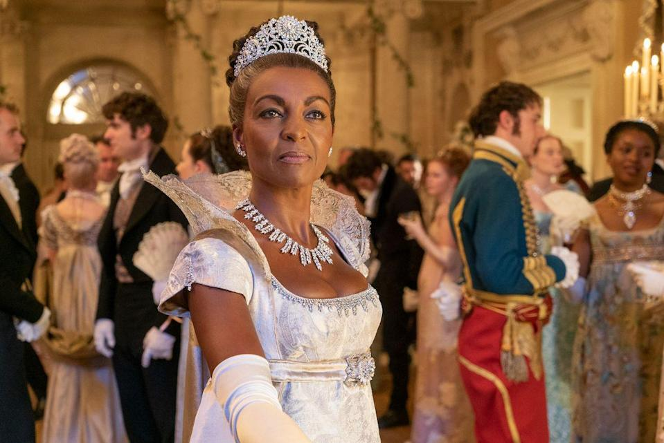<p>The headpiece, the regal collar, the major necklace... Lady Danbury's look is just one big fashion feast for the eyes.</p>