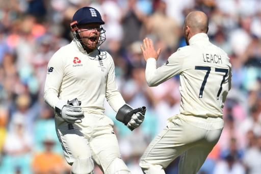 Jonny Bairstow (left) wants to win back his place as wicketkeeper in the England Test team
