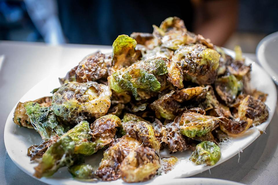 Burnt Brussels Sprouts (PHOTO: Zat Astha/Yahoo Lifestyle SEA)