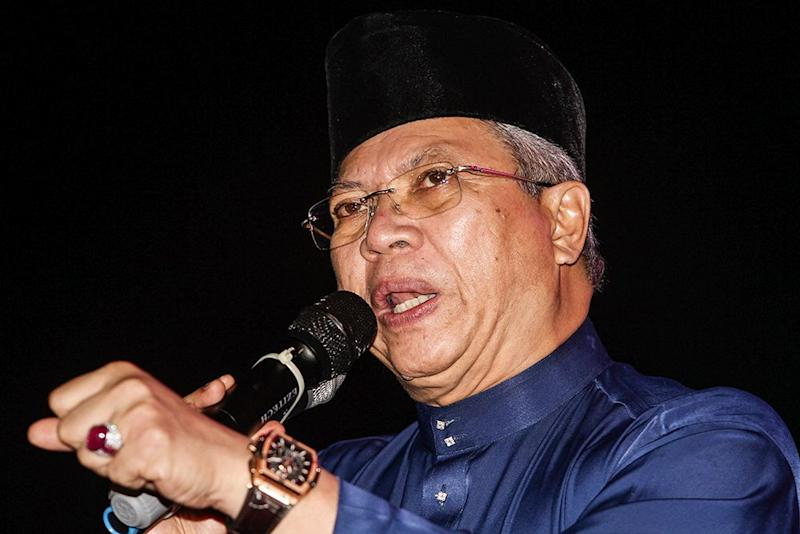Tan Sri Annuar Musa says it is not reasonable for the CEP to continue existing as Prime Minister Tun Dr Mahathir Mohamad already has his Cabinet to perform its proper functions and responsibilities. — Picture by Miera Zulyana
