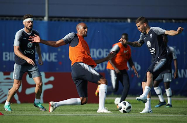 Soccer Football - World Cup - France Training - France Training Camp, Moscow, Russia - June 18, 2018 France's Steven Nzonzi with Lucas Hernandez and Olivier Giroud during training REUTERS/Albert Gea