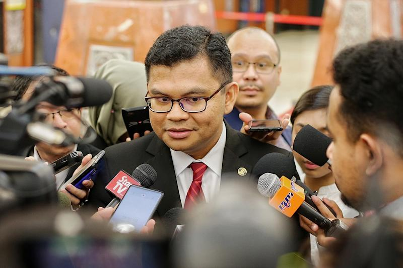 Johor Baru MP Akmal Nasir speaks to reporters at the Parliament lobby in Kuala Lumpur November 21,2019. — Picture by Ahmad Zamzahuri