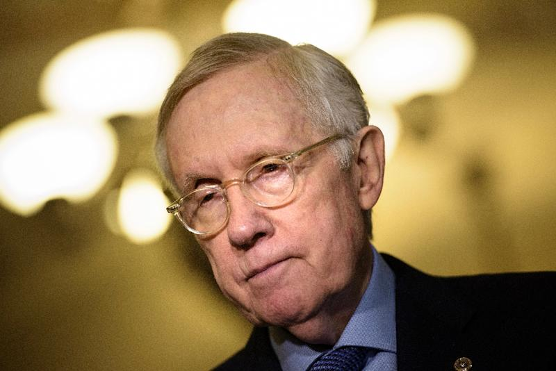 Senator Harry Reid, the top Democratic Party lawmaker in the US upper house, said December 15, 2015 that Republicans in the leadership had assured him a pending catch-all bill would not address the hot-button issue of international refugees