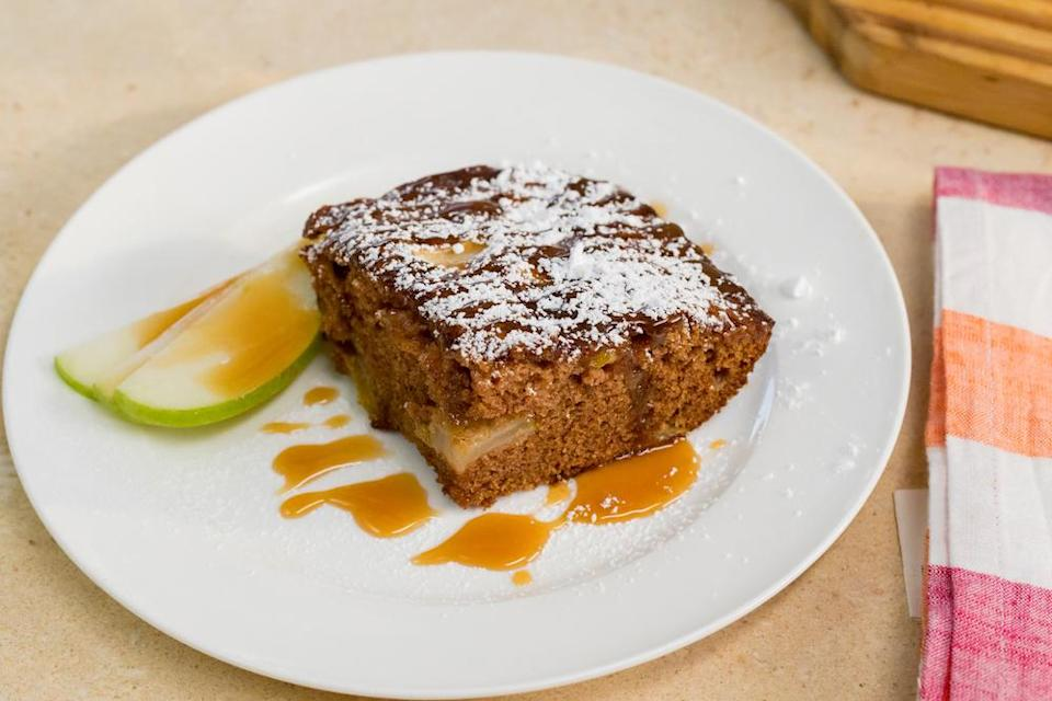 This apple spice cake is easy and affordable to make