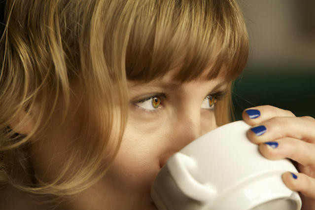 Coulddrinking coffee help you live longer? (Photo: Getty Images)