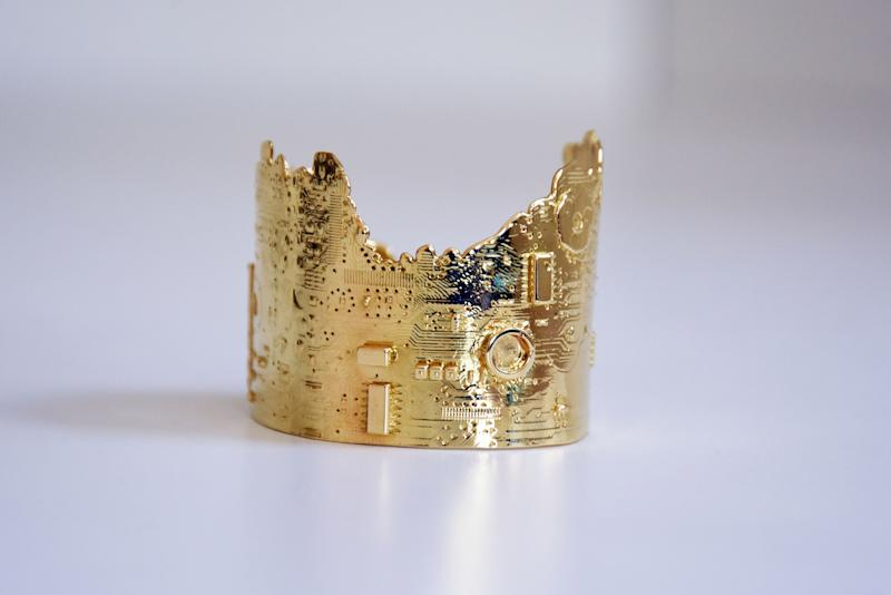 Motherboard cuff in 18-karate gold _by Mia Fonssagrives Solow