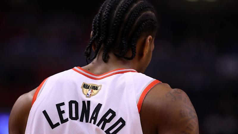 Kawai Leonard is suing Nike for using a logo