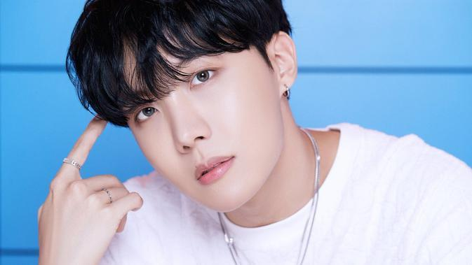 J-Hope BTS (Big Hit Entertainment via Somopi)