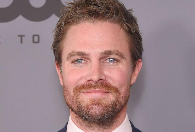 'Arrow' Star Stephen Amell to Lead New Starz Wrestling Series 'Heels'