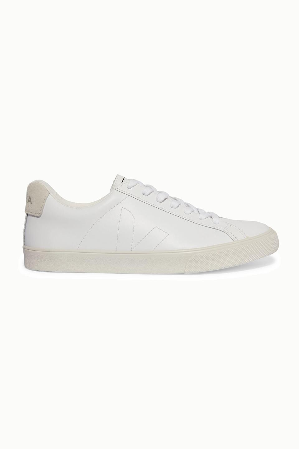 "<p><strong>Veja</strong></p><p>net-a-porter.com</p><p><strong>$120.00</strong></p><p><a href=""https://go.redirectingat.com?id=74968X1596630&url=https%3A%2F%2Fwww.net-a-porter.com%2Fen-us%2Fshop%2Fproduct%2Fveja%2Fnet-sustain-esplar-suede-trimmed-leather-sneakers%2F1191684&sref=https%3A%2F%2Fwww.marieclaire.com%2Ffashion%2Fg35178951%2Fminimalist-wardrobe-steps%2F"" rel=""nofollow noopener"" target=""_blank"" data-ylk=""slk:SHOP IT"" class=""link rapid-noclick-resp"">SHOP IT</a></p><p>These simple sneakers will be the chic finishing touch on any look. </p>"