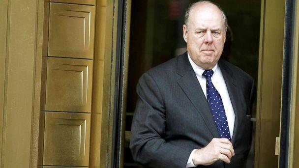 PHOTO: Lawyer John Dowd exits Manhattan Federal Court in New York, May 11, 2011. (Brendan McDermid/Reuters, FILE)