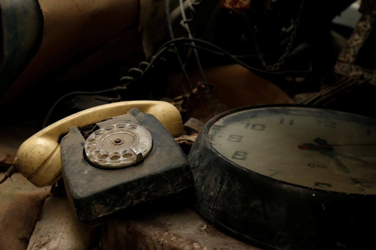 <p>A rotary dial telephone set and clock are seen in the NATO tunnels dating back to the Cold War in the War Headquarters tunnels beneath Valletta, Malta, March 28, 2017. (Photo: Darrin Zammit Lupi/Reuters) </p>