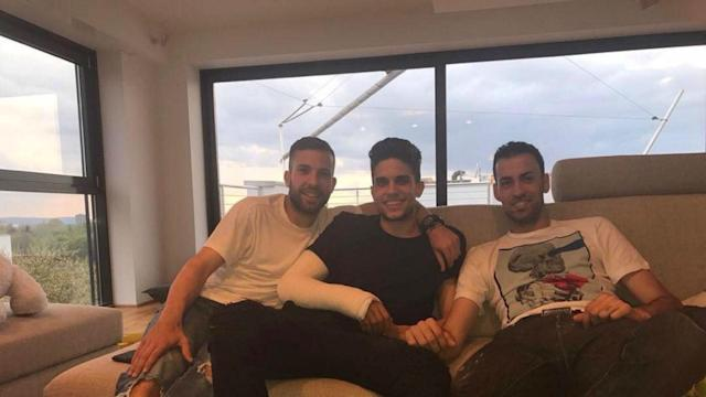 Dortmund's Marc Bartra is recovering from the broken wrist he suffered during last week's attack and had a visit from two old friends.