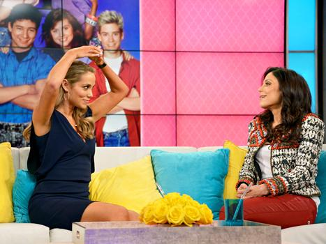 Elizabeth Berkley Hated Wearing One-Piece Swimsuit on Saved By the Bell