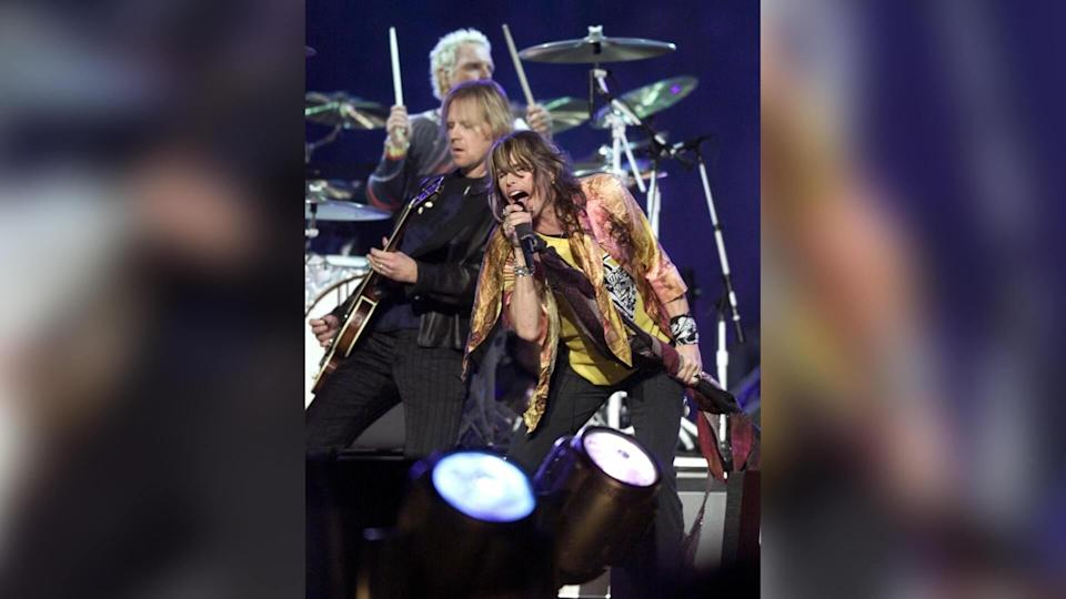 Aerosmith performs at halftime of Super Bowl XXXV, in Tampa, FlaSUPER BOWL, TAMPA, USA.