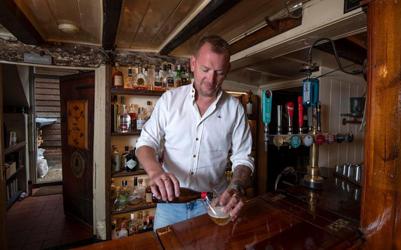 Simon Goodman, landlord and head chef at the Duke of Cumberland Arms in West Sussex - Julian Simmonds/The Telegraph