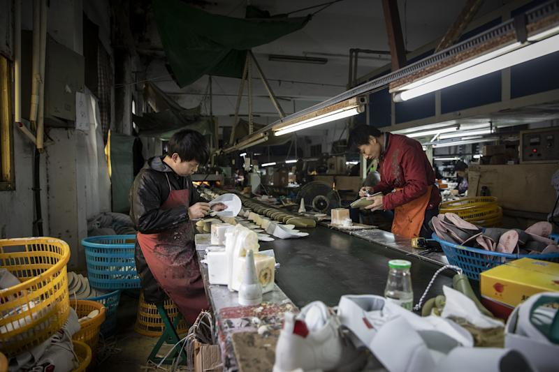 China's Economy Struggling Across All Sectors, Beige Book Says