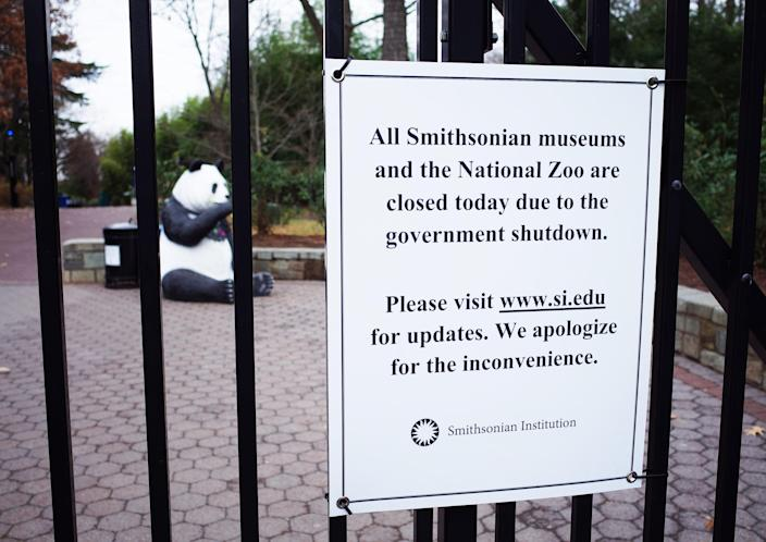 A sign on the main gate of the Smithsonian's National Zoo announces the Zoo will be closed during the partial government shutdown on Jan. 3, 2019 in Washington, DC. (Photo: Mandel Ngan/AFP/Getty Images)