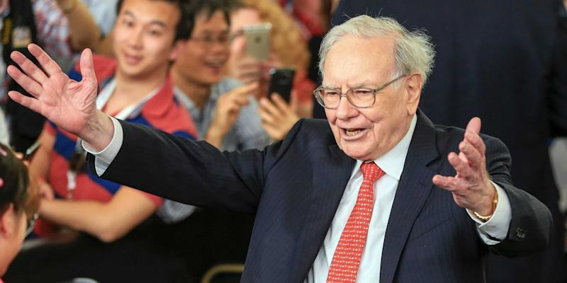 Buffett Touts GOP Tax Cut Bill as 'Huge Tailwind' for Businesses
