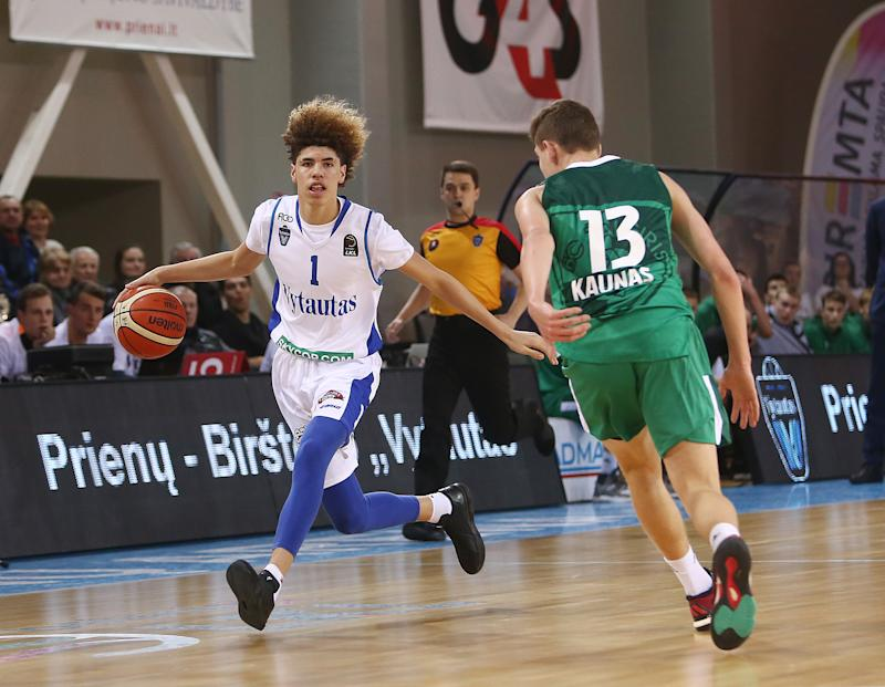 5ef10178868 LaMelo Ball is returning to prep high school circuit in Ohio