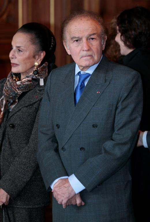 Late lawyer and Holocaust survivor Samuel Pisar and his wife Judith, the mother of US Secretary of State-designate Antony Blinken, are seen at the Paris city hall in October 2012