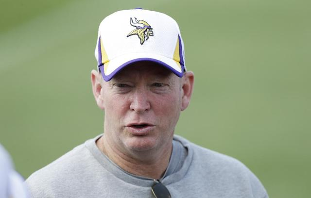 Minnesota Vikings offensive coordinator Bill Musgrave speaks to his players during practice at NFL football training camp, Saturday, July 27, 2013, in Mankato, Minn. (AP Photo/Charlie Neibergall)
