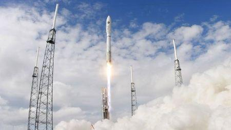 A United Launch Alliance Atlas 5 rocket carrying the U.S. military's X-37B experimental space plane lifts off from launch complex 41 in Cape Canaveral, Florida