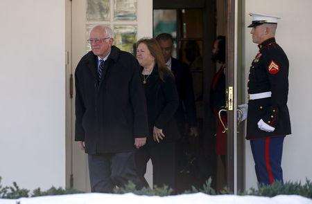 Sanders Meets With Obama Says President Will Remain
