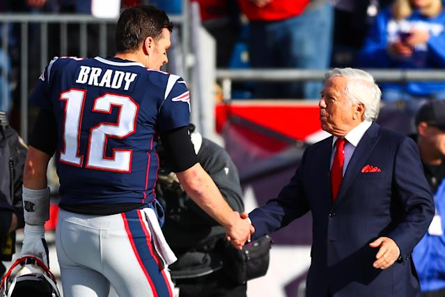 Patriots owner Robert Kraft says he'll make a push to keep Tom Brady. (Photo by Adam Glanzman/Getty Images)