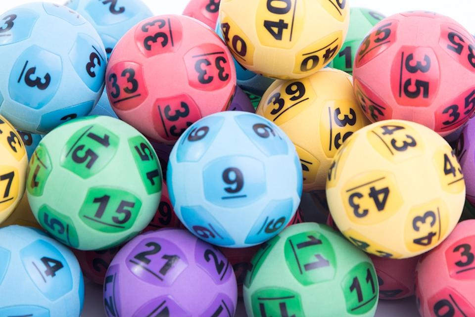 Generic coloured lottery balls.
