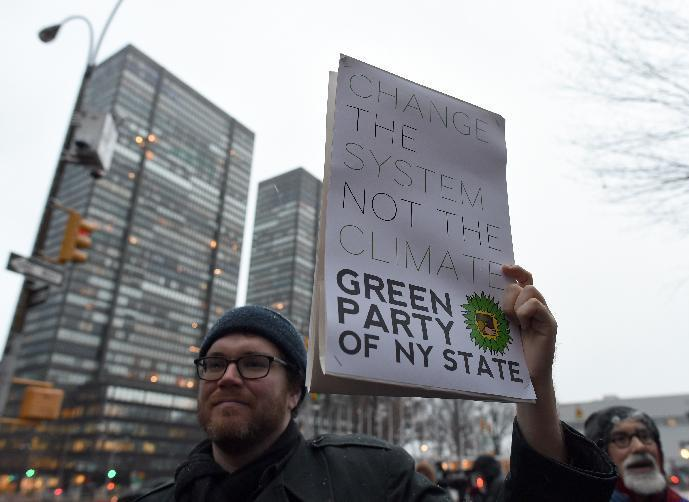 A group of demonstrators gather for a rally on December 10, 2014 near the United Nations in New York (AFP Photo/Don Emmert)
