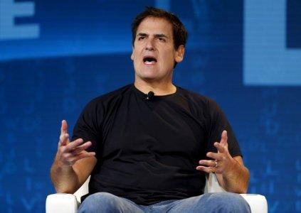 FILE PHOTO: Mark Cuban, owner of the NBA Dallas Mavericks, speaks during the Wall Street Journal Digital Live ( WSJDLive ) conference at the Montage hotel in Laguna Beach, California October 20, 2015. REUTERS/Mike Blake/File Photo