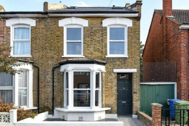 5 Bedroom End of Terrace House, Lanvanor Road