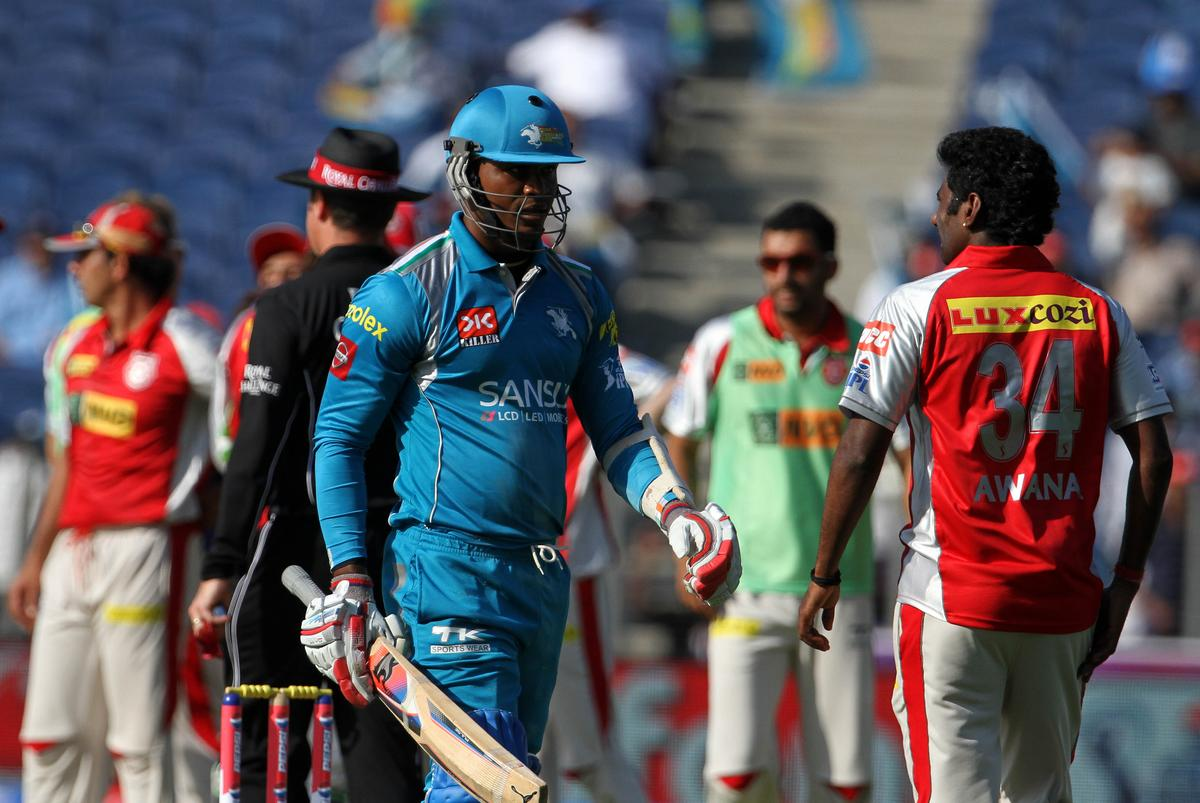 Pune Warriors player Marlon Samuels walks back after getting out during match 6 of the the Pepsi Indian Premier League ( IPL) 2013  between The Pune Warriors India and the Kings XI Punjab held at the Subrata Roy Sahara Stadium, Pune on the 7th April  2013..Photo by Vipin Pawar-IPL-SPORTZPICS ..Use of this image is subject to the terms and conditions as outlined by the BCCI. These terms can be found by following this link:..https://ec.yimg.com/ec?url=http%3a%2f%2fwww.sportzpics.co.za%2fimage%2fI0000SoRagM2cIEc&t=1506450312&sig=czF5a_cuHLvNyUtHB86Svg--~D
