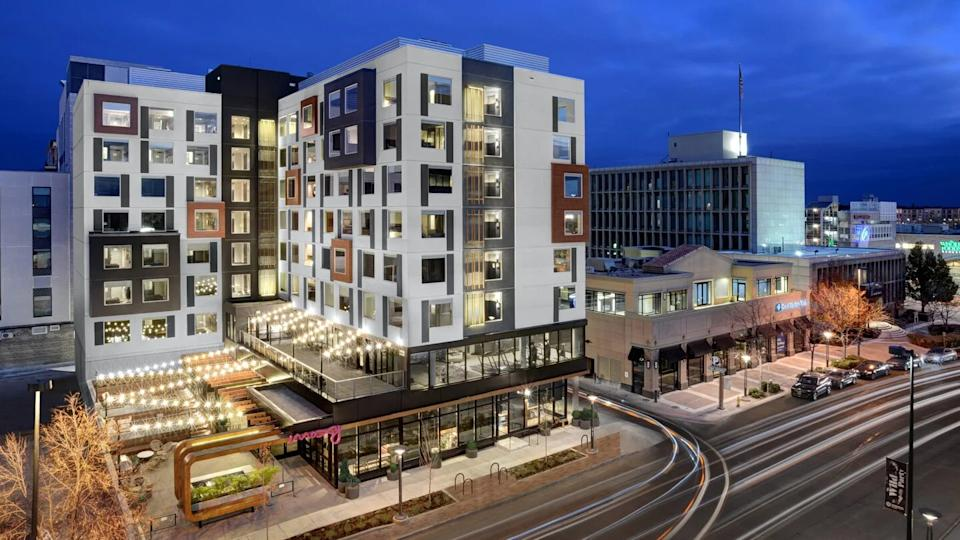 """<a href=""""https://www.marriott.com/hotels/travel/denox-moxy-denver-cherry-creek/"""" rel=""""nofollow noopener"""" target=""""_blank"""" data-ylk=""""slk:Moxy Denver Cherry Creek"""" class=""""link rapid-noclick-resp""""><h3>Moxy Denver Cherry Creek</h3></a><br>If you and your S/O are more into an urban experience, check out this modern Colorado hotel that's anything but ordinary. Take one of their complimentary bikes out for a spin around Denver, attend an exciting sports event at Mile High Stadium, or take in the mountain views from the comfort of your own room. <br><br><strong>Location:</strong> Denver, CO<br><br><strong>Price Per Night:</strong> Rooms start at $215 <span class=""""copyright"""">Photo: Courtesy of Moxy Hotels</span>"""
