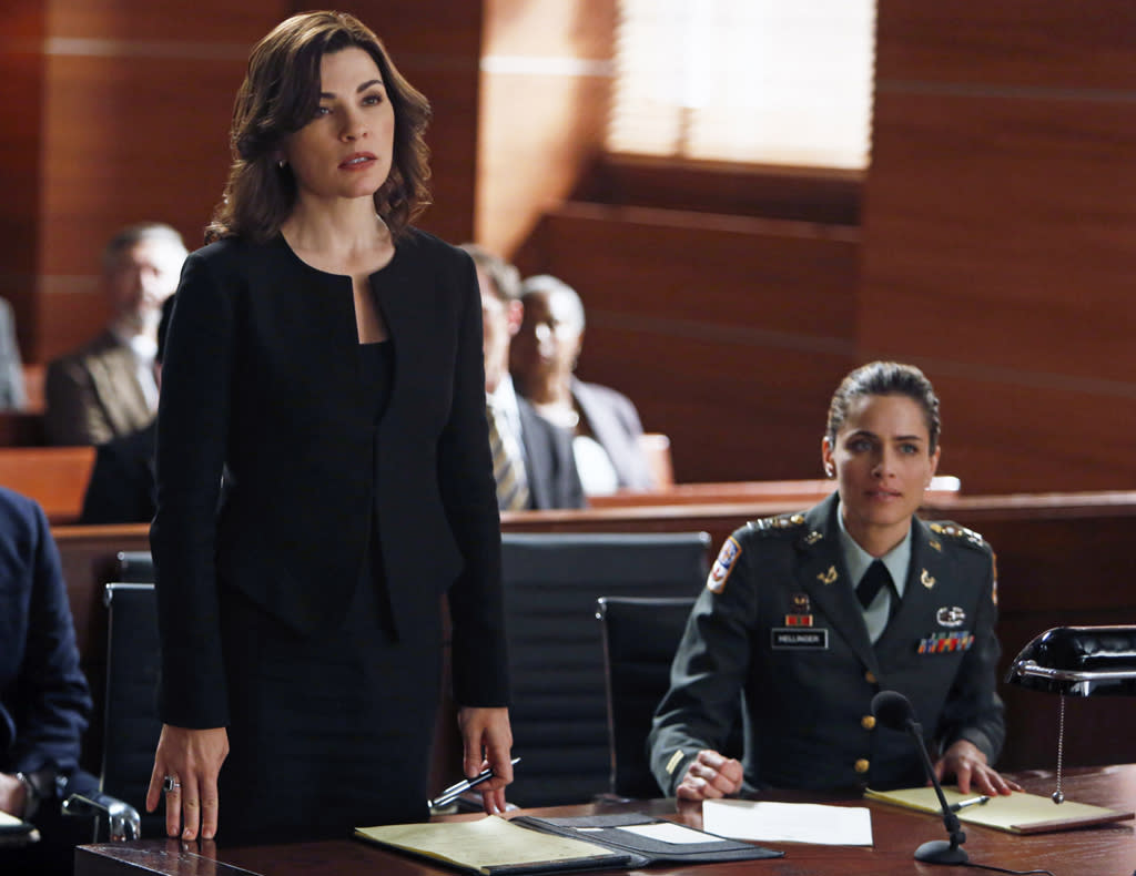 "<b>Amanda Peet on ""The Good Wife"" (November 4) </b><br><br>Guest stars are hardly even notable on ""The Good Wife,"" since there's a new one each week. But Peet is worth highlighting, if only because we still miss her gone-too-soon NBC sitcom ""Bent."" Peet plays Alicia's latest client, a female military officer accusing a civilian contractor of raping her in Afghanistan. And because one guest star is never enough for this show, Brian Dennehy plays opposing counsel Bucky Stabler as well. <br><br><b>Worth Watching?</b> Eh. Sounds a little heavy, and Sunday nights are real busy for us."
